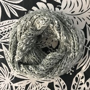 Urban Outfitters Chunky Knit Infinity Scarf